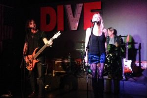 midnight-clover-thedive-bar
